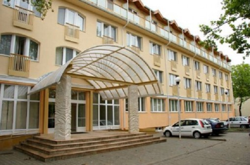 - Hungarospa Thermal Hotel